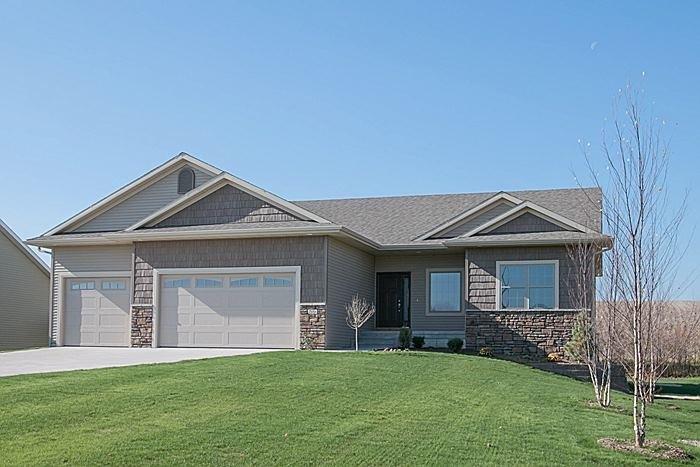 206  CHERRY LN, Tiffin, Iowa