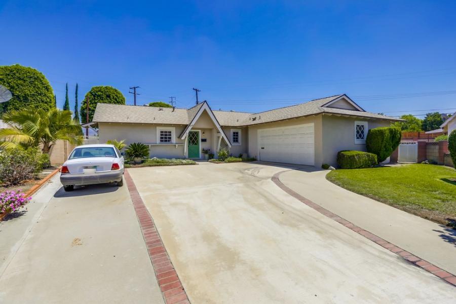 1404 S Bender Ave, Glendora, California